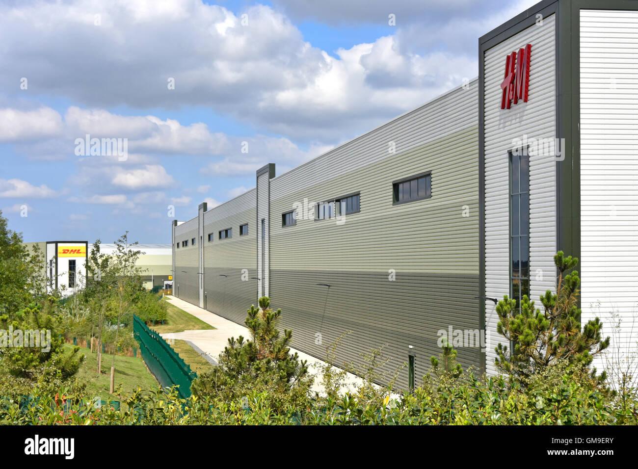 Nouvelle entreprise de vêtements H&M sur l'entrepôt de distribution UK Rugby Gateway Development Photo Stock