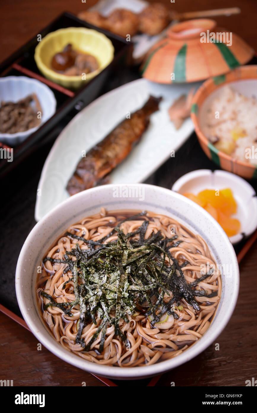 Nouilles de sarrasin et de poisson, Nakatsugawa, Japon Photo Stock