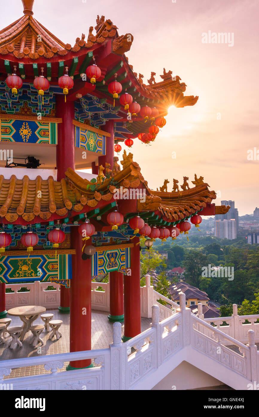 Au coucher du soleil d'or Thean Hou Temple Bouddhiste, Kuala Lumpur, Malaisie Photo Stock