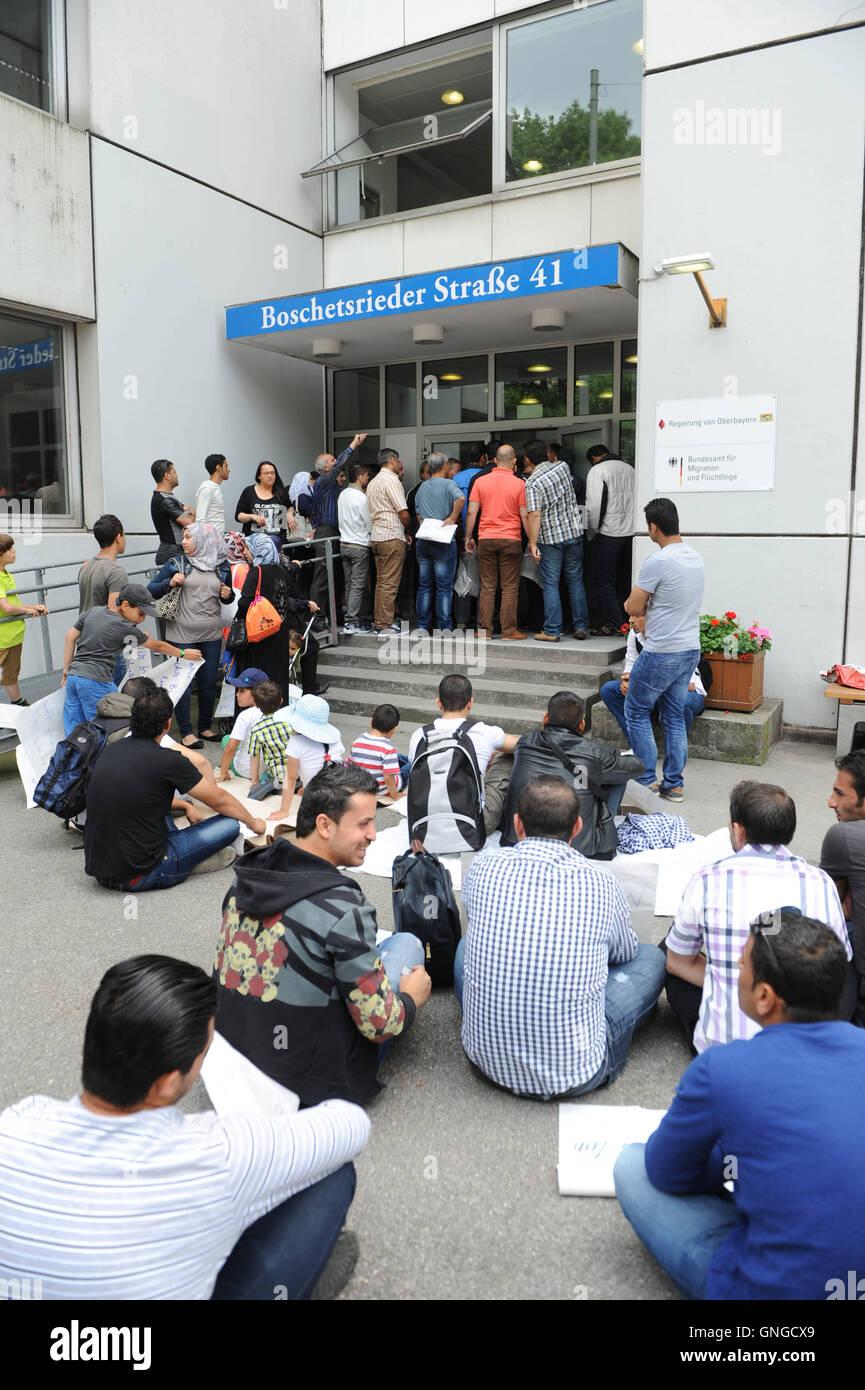 D'asile syriens lors d'occupation, grève à Munich, 2014 Photo Stock