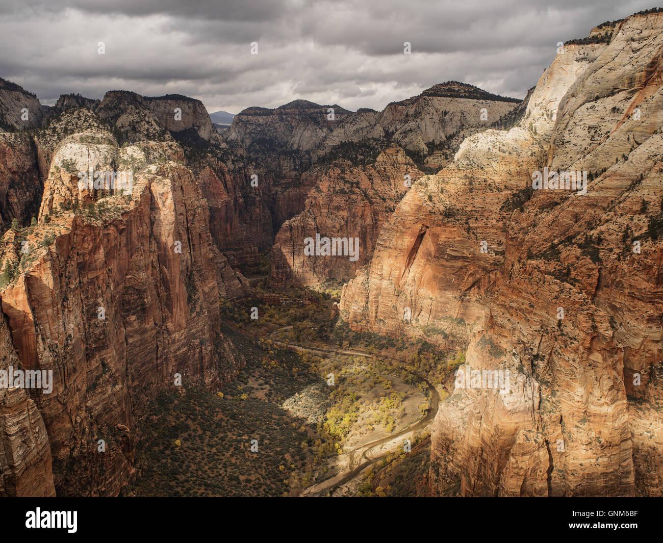Les montagnes rouges de l'Utah dans Zion National Park Banque D'Images
