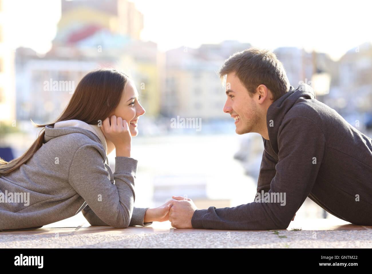couple datant d'un autre couple