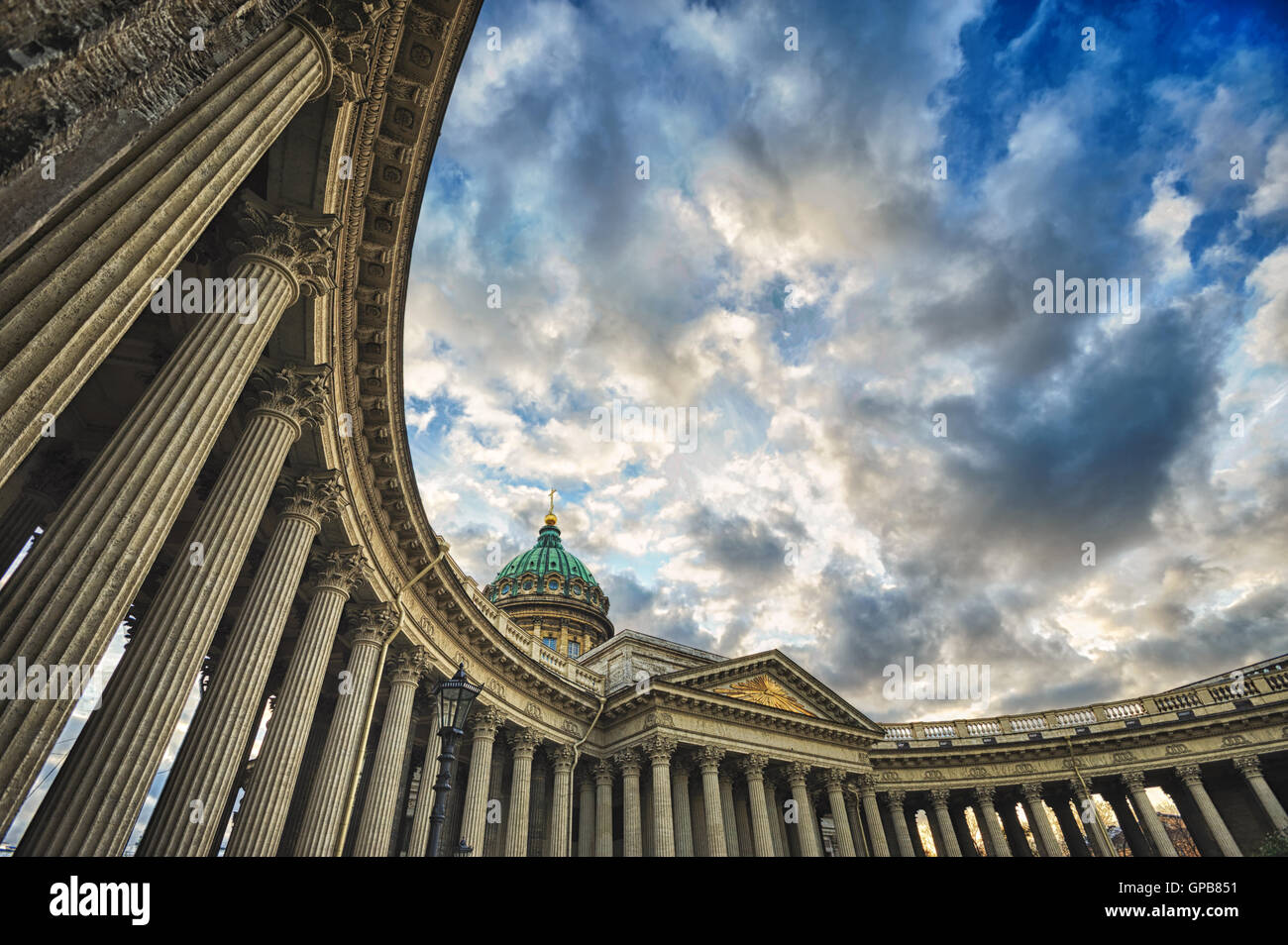 Galerie colonne de la Cathédrale de Kazan, Saint-Pétersbourg, Russie Photo Stock