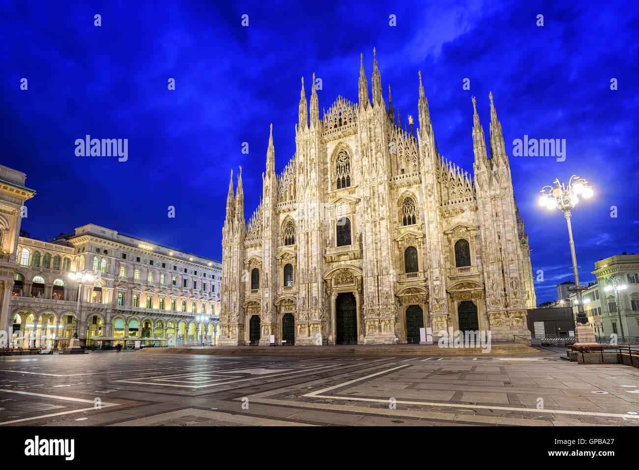 La cathédrale de Milan, le Duomo di Milano, l'une des plus grandes églises au monde Photo Stock