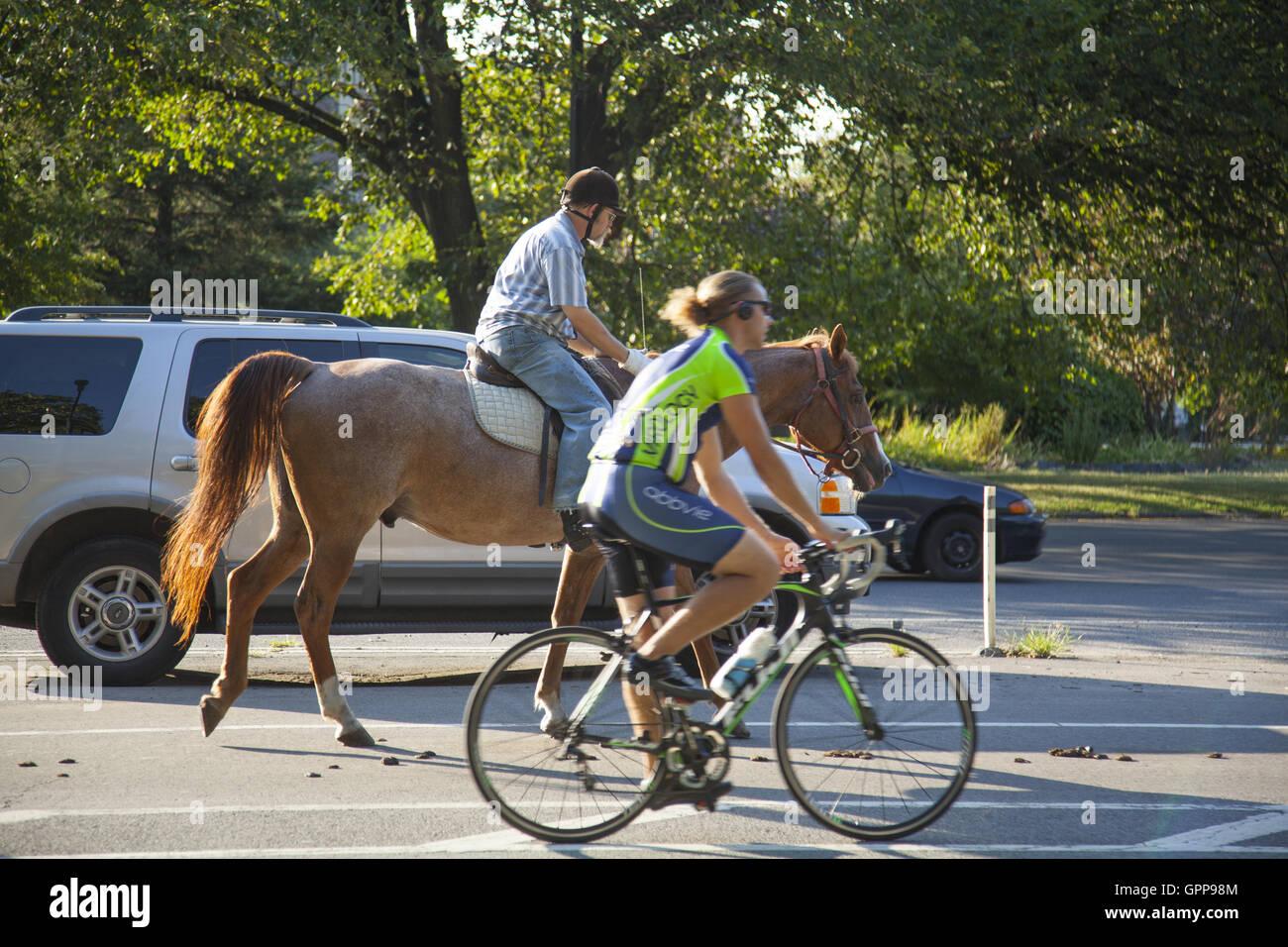 Trois modes de transport. dirigée à Prospect Park, Brooklyn, New York. Photo Stock