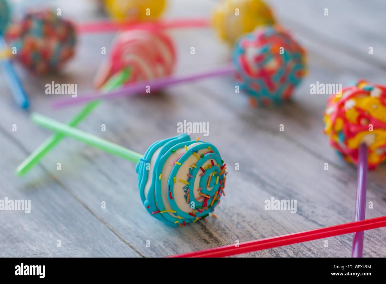 Bonbons lumineux sur stick. Photo Stock