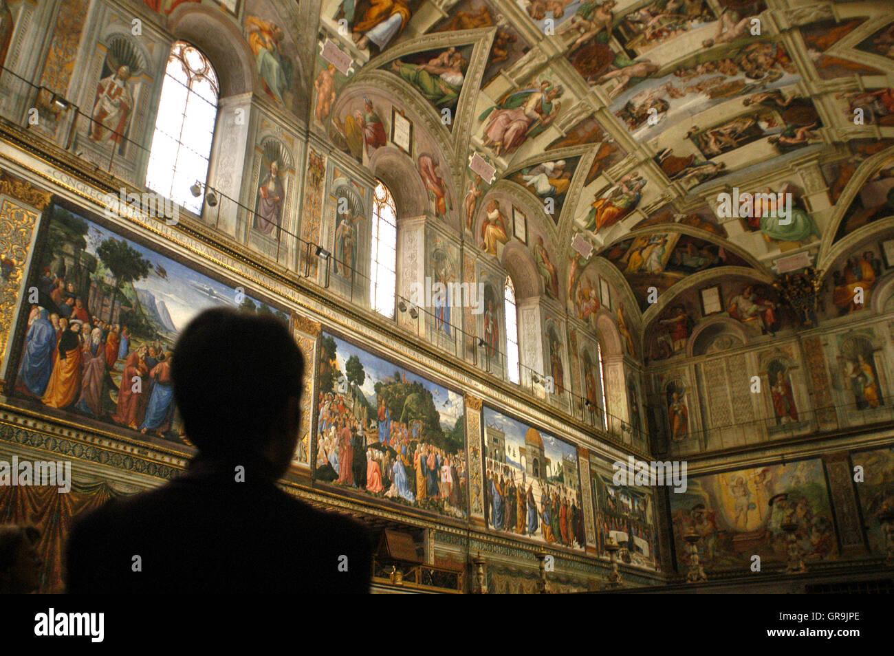 Plafond De La Chapelle Sixtine Musee Du Vatican Rome Italie La