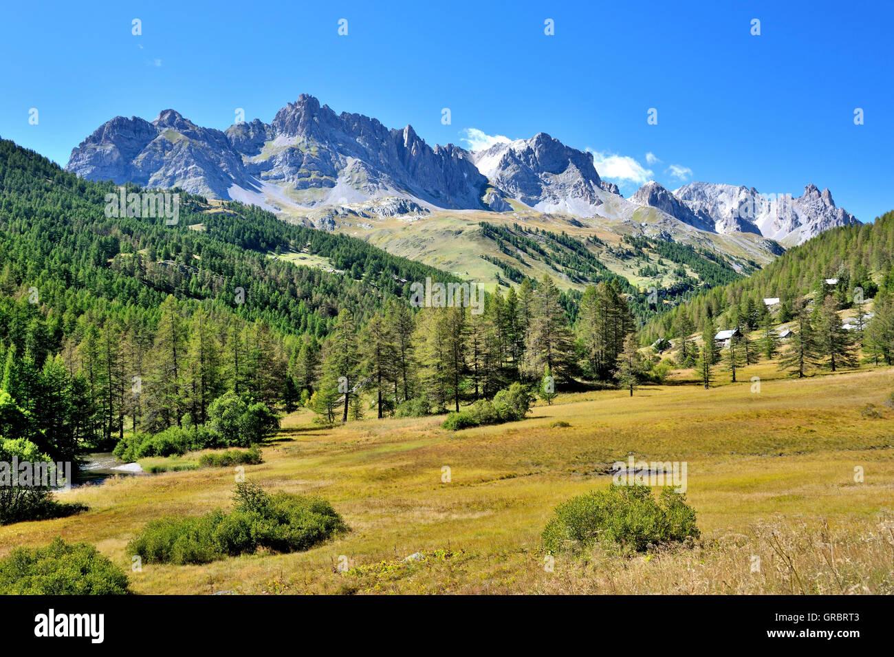 Chaîne de montagne dans les Alpes françaises, Brianconnais, France Photo Stock