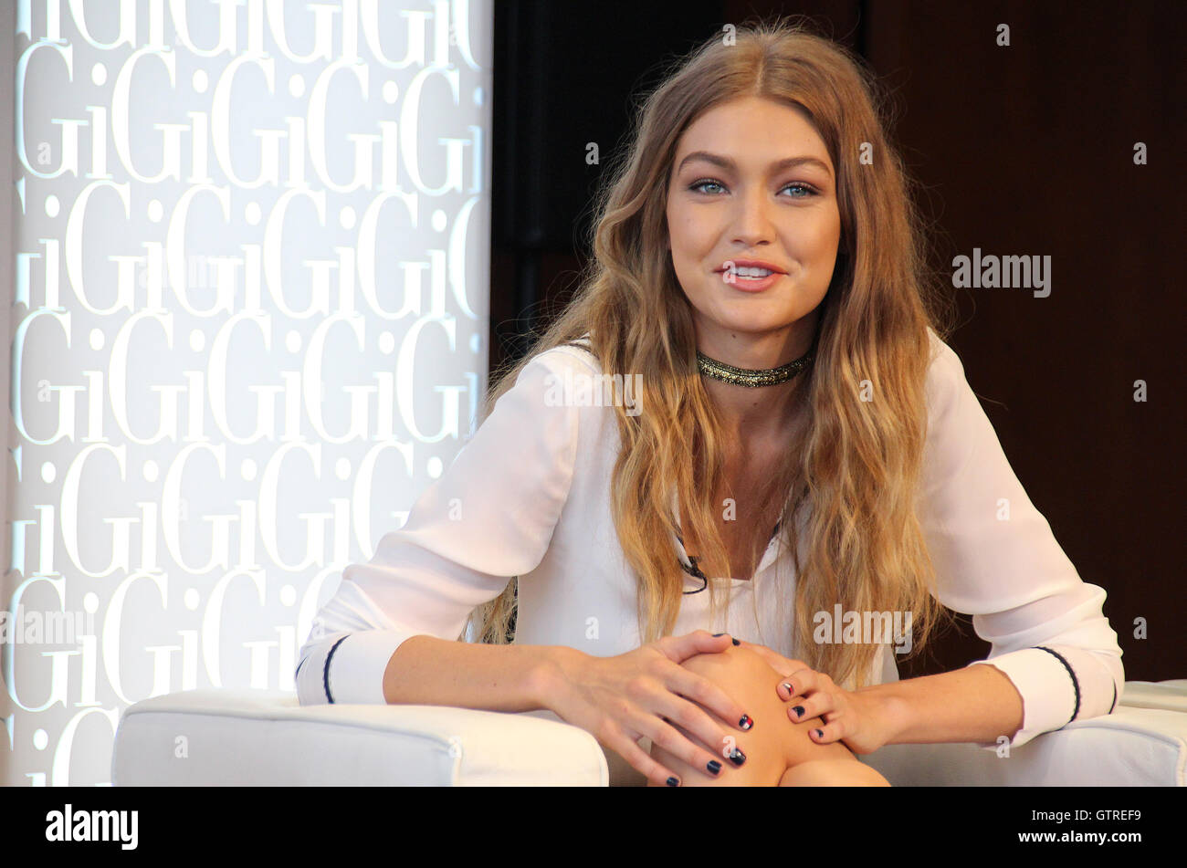 New York, USA. 09Th Sep 2016. Gigi Hadid modèle parle lors d'une conférence de presse au cours de Photo Stock