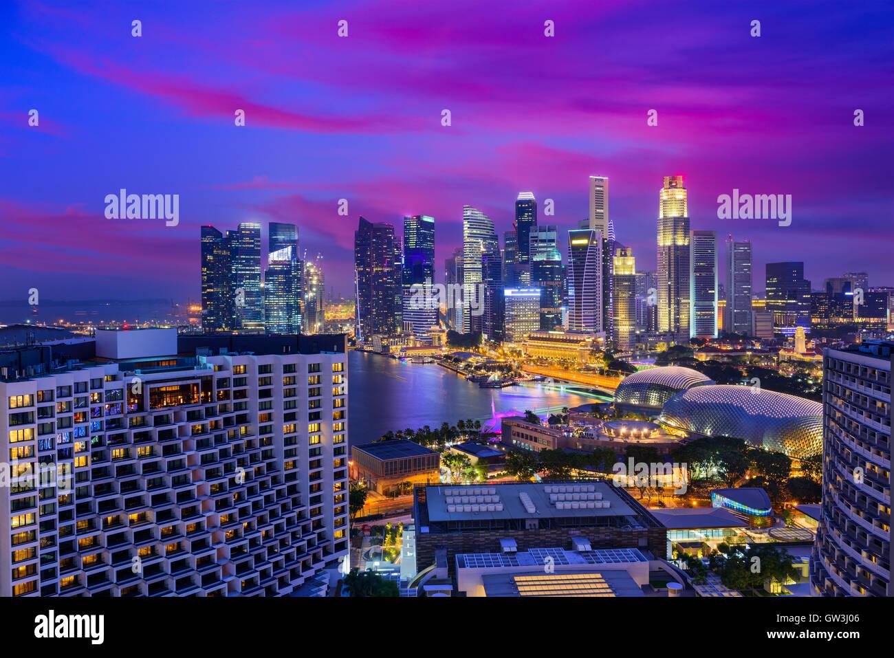 Quartier Financier de Singapour skyline at Dusk. Photo Stock