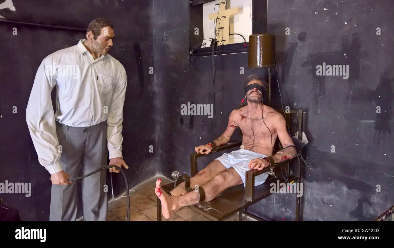 IR-Thr-063 Téhéran, Sculpture Cire de prisonnier torturé dans la SAVAK Comité Mixte Anti Sabotage Photo Stock