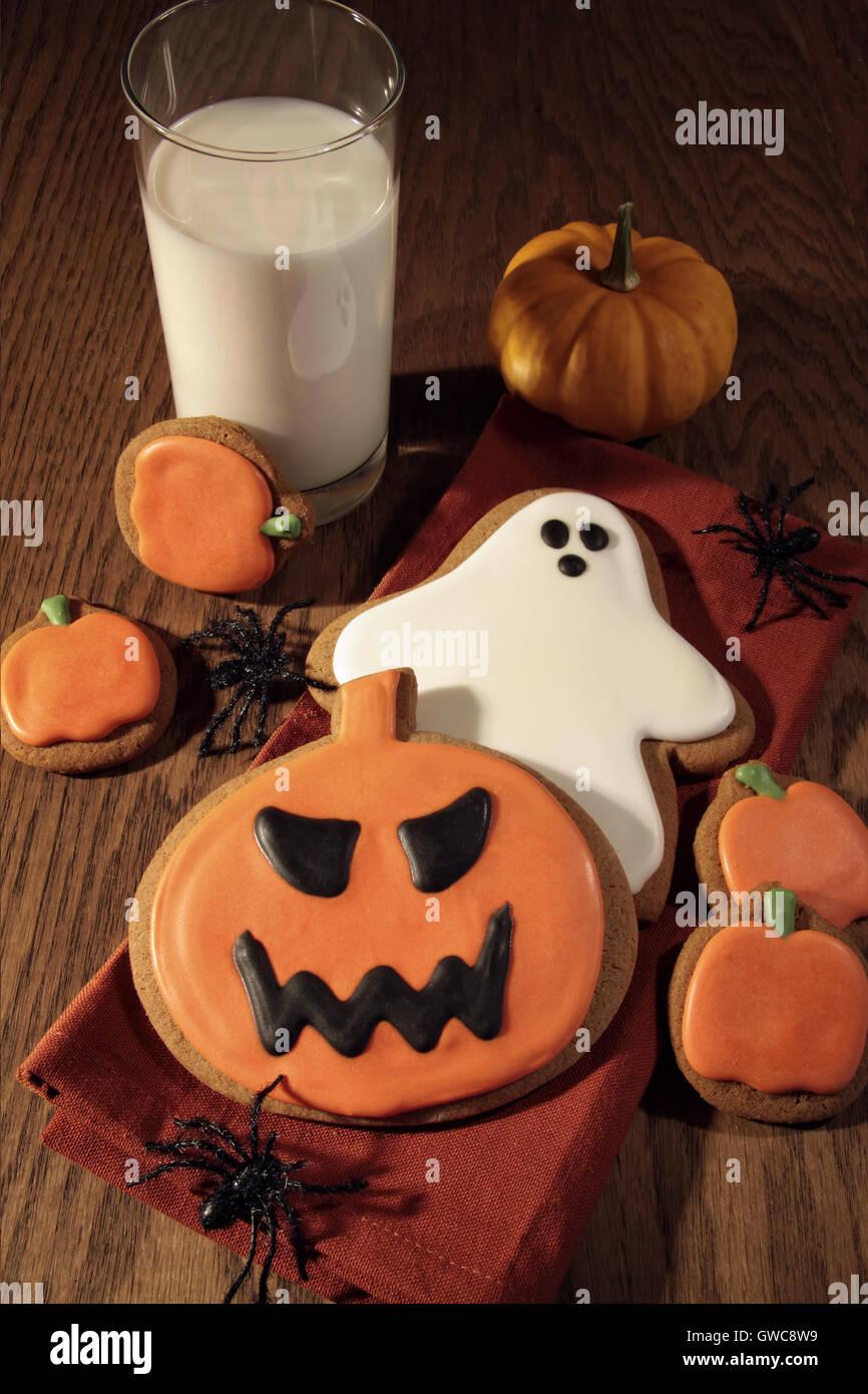 Biscuits fraîchement cuits au four pour halloween Banque D'Images