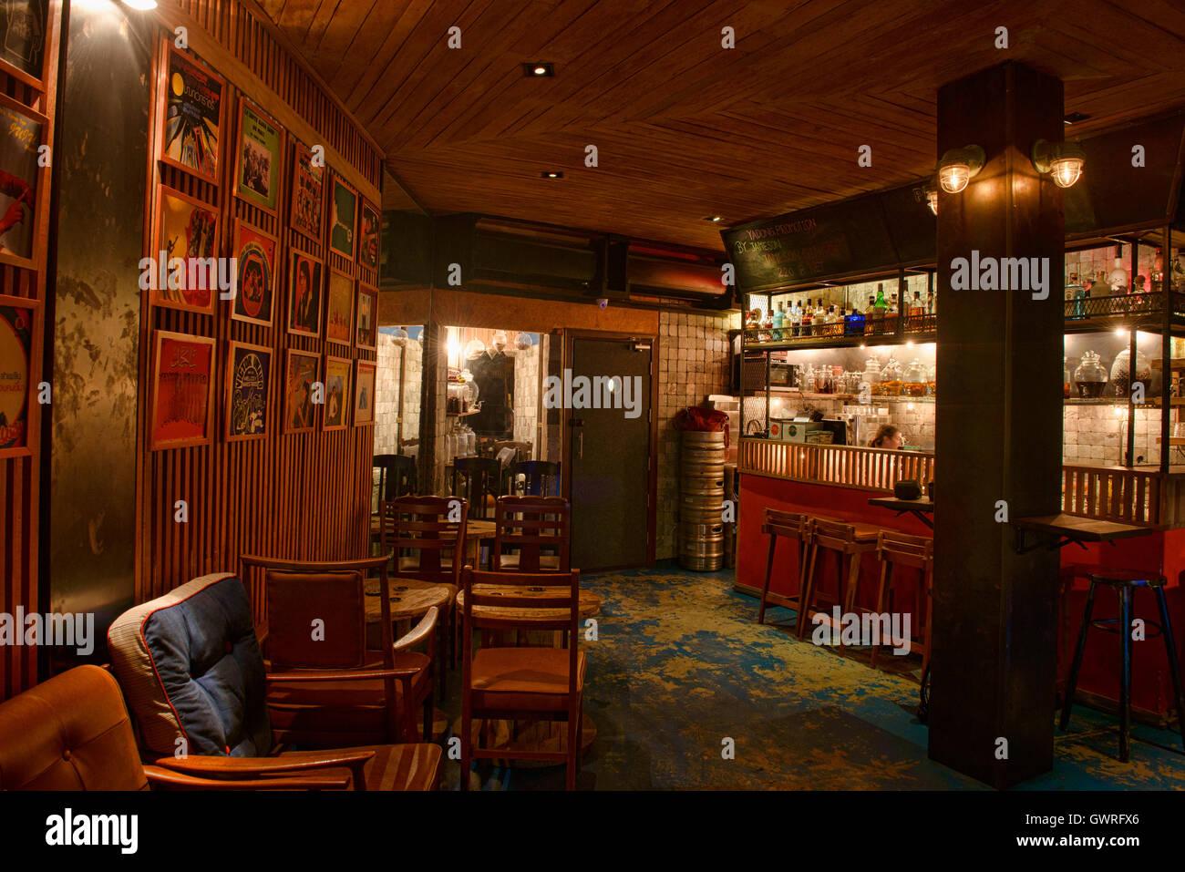 Ya Dong alcools blancs bar à Bangkok, Thaïlande Photo Stock