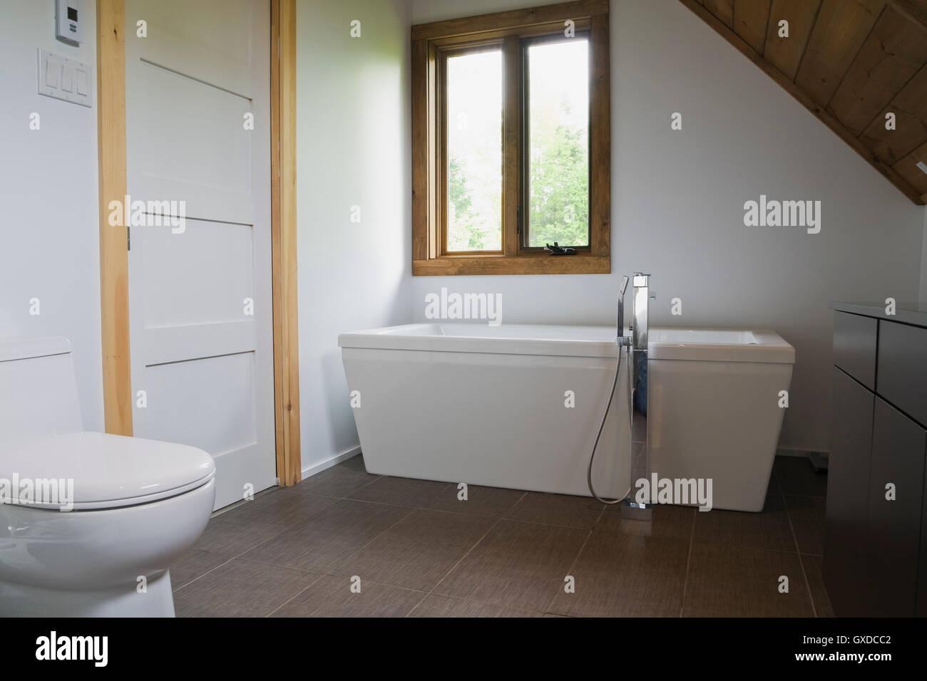 Salle De Bain Quebec Qc ~ salle de bains avec plancher de c ramique gris blanc porcelaine
