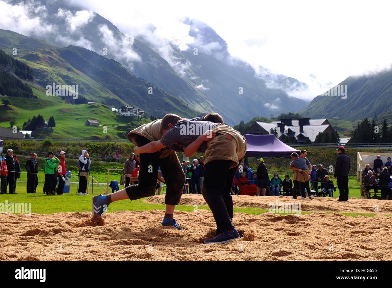 La lutte traditionnelle suisse Photo Stock