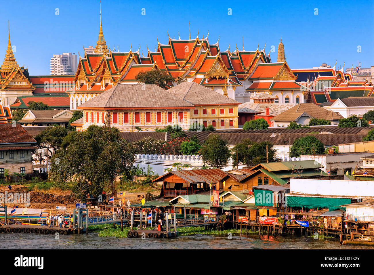 Temple de Wat Pho, vue d'Arun Temple à Bangkok Photo Stock