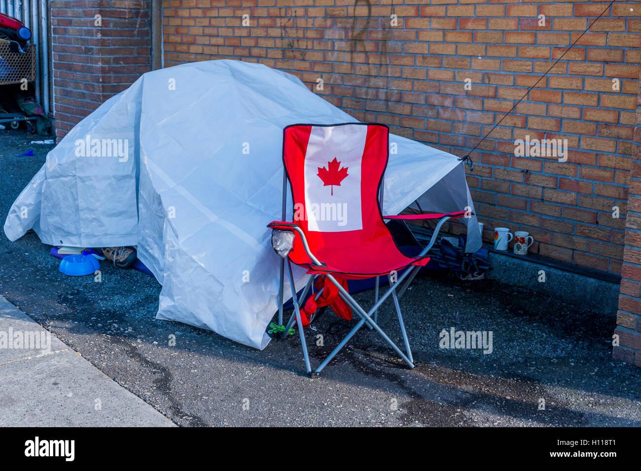 Sans-abri DU DOWNTOWN EASTSIDE tente de fortune sur le trottoir, Vancouver, British Columbia, Canada, Banque D'Images