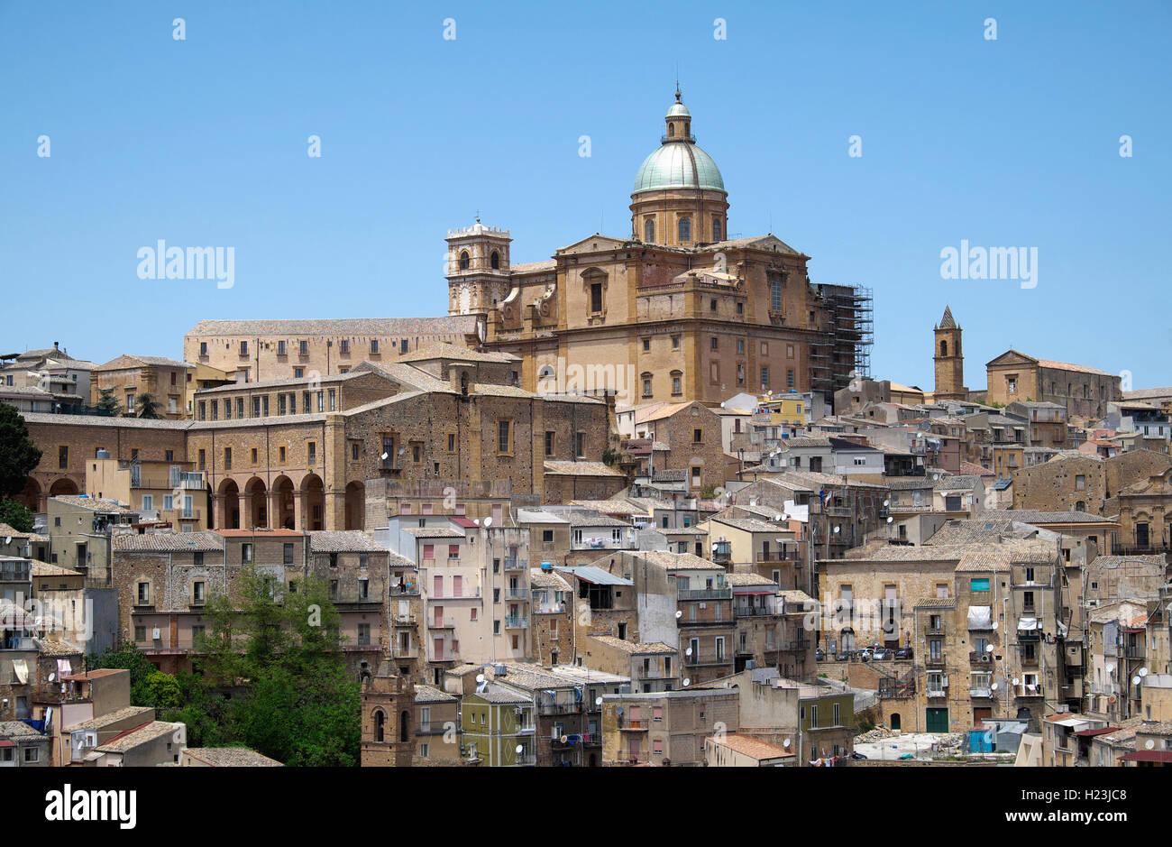 Cathédrale et centre historique de Piazza Armerina, Sicile, Italie Photo Stock