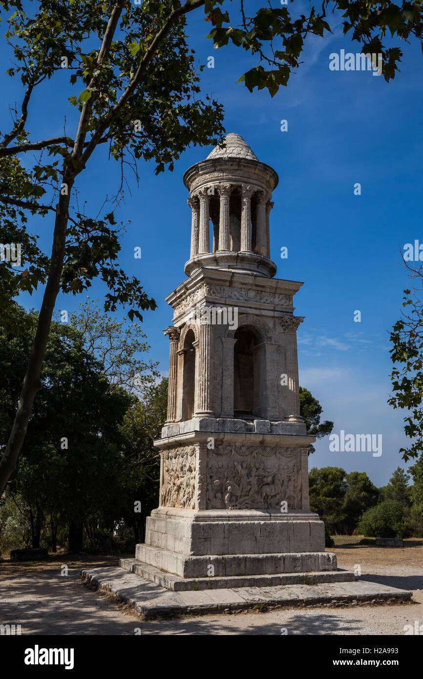 Glanum est une ville ancienne à l'extérieur de Saint-Rémy-de-Provence avec une remarquable collection Photo Stock