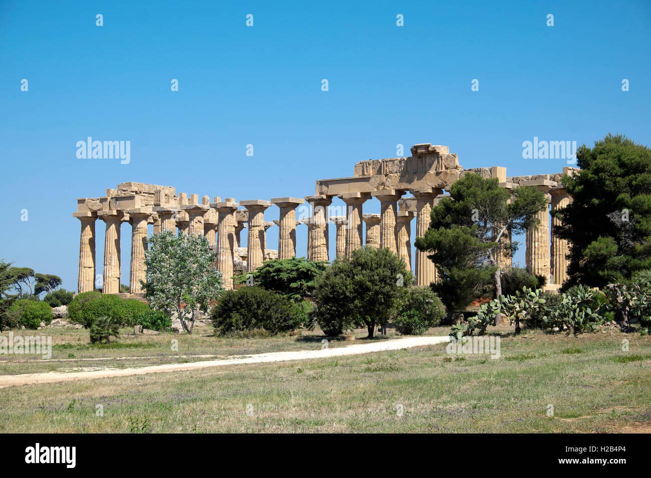 Ancien Temple grec E, Parc archéologique de Sélinonte, Sélinonte, Sicile, Italie Photo Stock