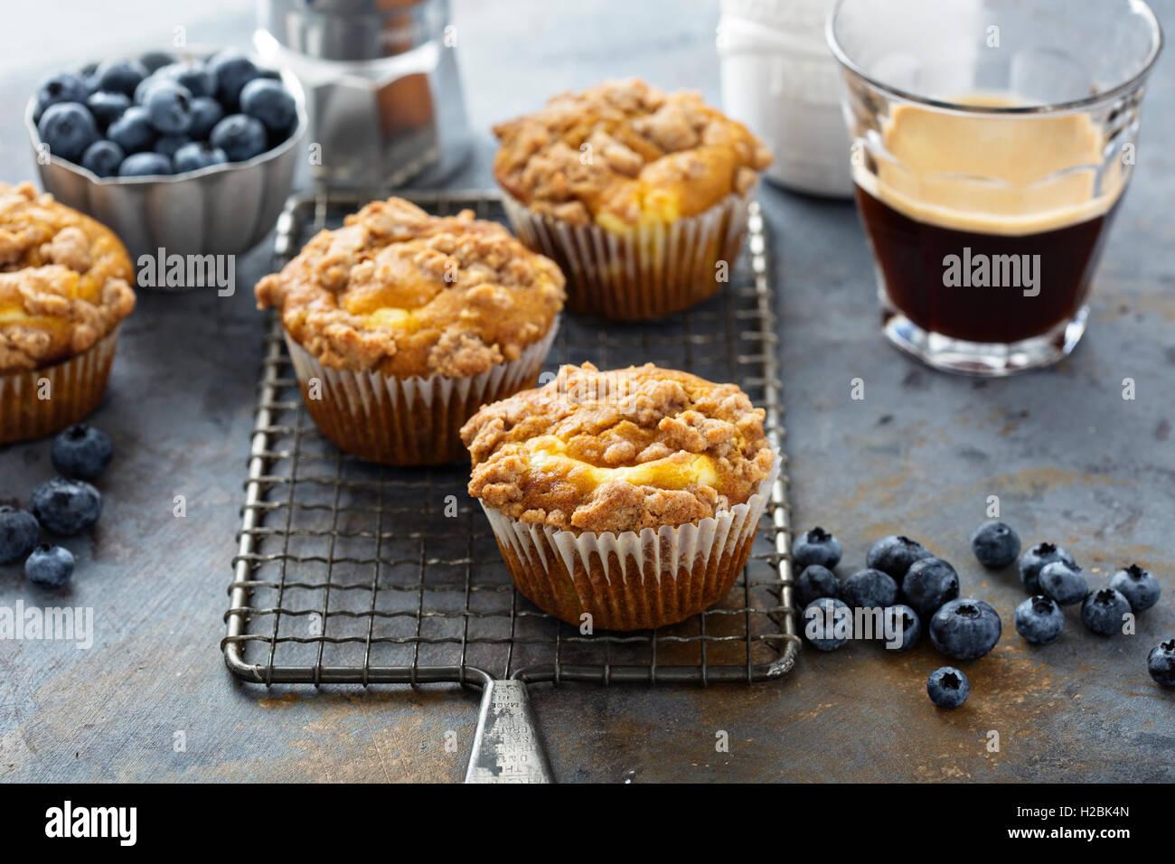 Muffins au fromage à la citrouille avec remplissage Photo Stock