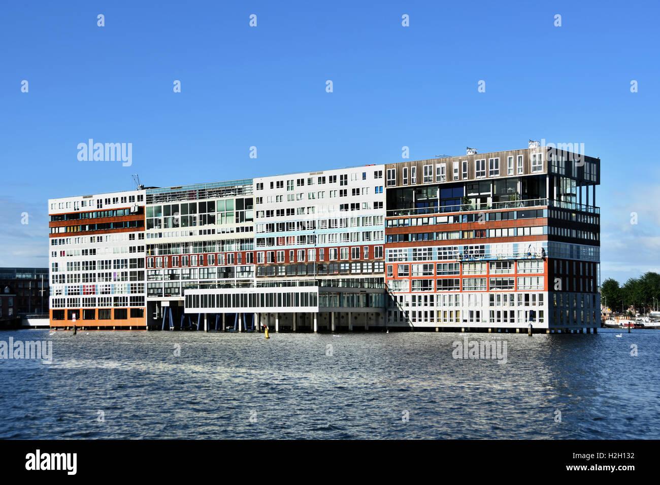 Amsterdam Pays-Bas l'architecture moderne des appartements sur Westerdoksdijkand entre Oude Houthaven et port Photo Stock