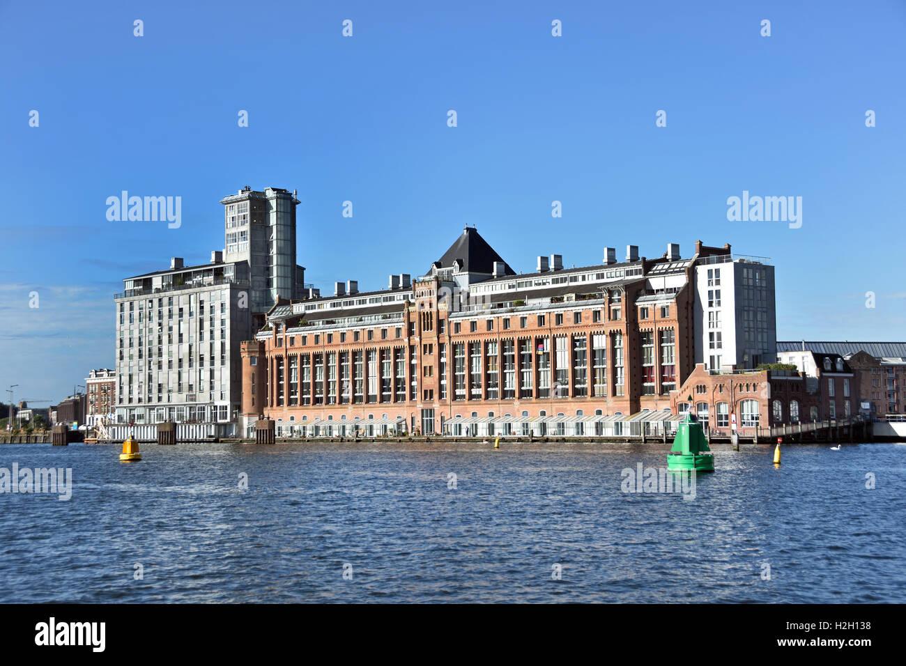 Amsterdam Pays-Bas l'architecture moderne des appartements sur Westerdoksdijkand entre Oude Houthaven et port canal Banque D'Images