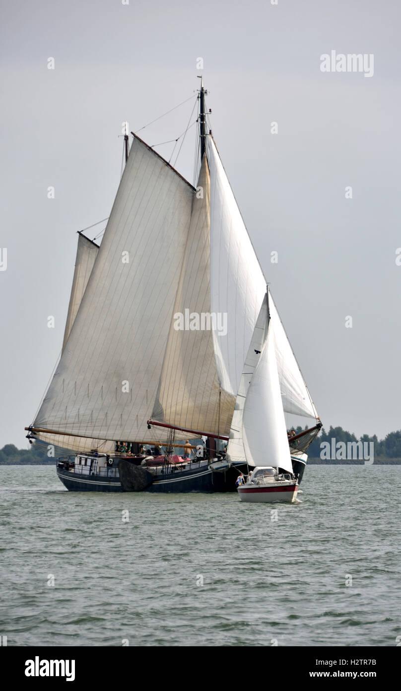 Lac IJsselmeer mer vieux gréement classique Néerlandais Pays-Bas Photo Stock