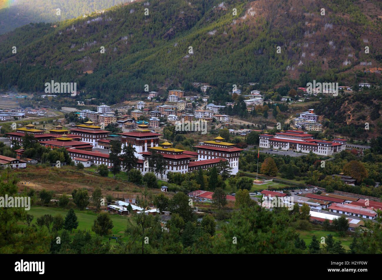 Le Tashichho Dzong est un monastère fortifié et palais du gouvernement dans la ville de Thimphu, Bhoutan. Photo Stock
