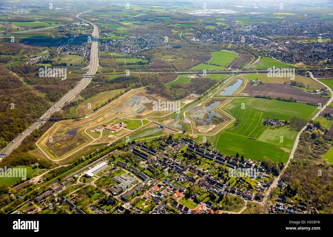 Bassin de rétention des eaux de pluie, de la rivière Emscher dans le quartier Mengede, la gestion de l'eau, Photo Stock