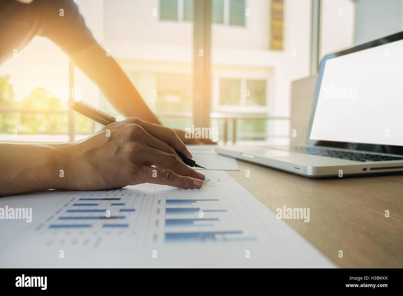 ,Business,comptabilité,discuter,succès d'équipe,documents,économie,Travail,travail, réunion, Photo Stock