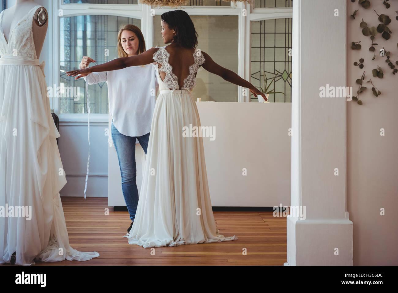 724284d9831 Female Mannequin Luxury Photos   Female Mannequin Luxury Images - Alamy