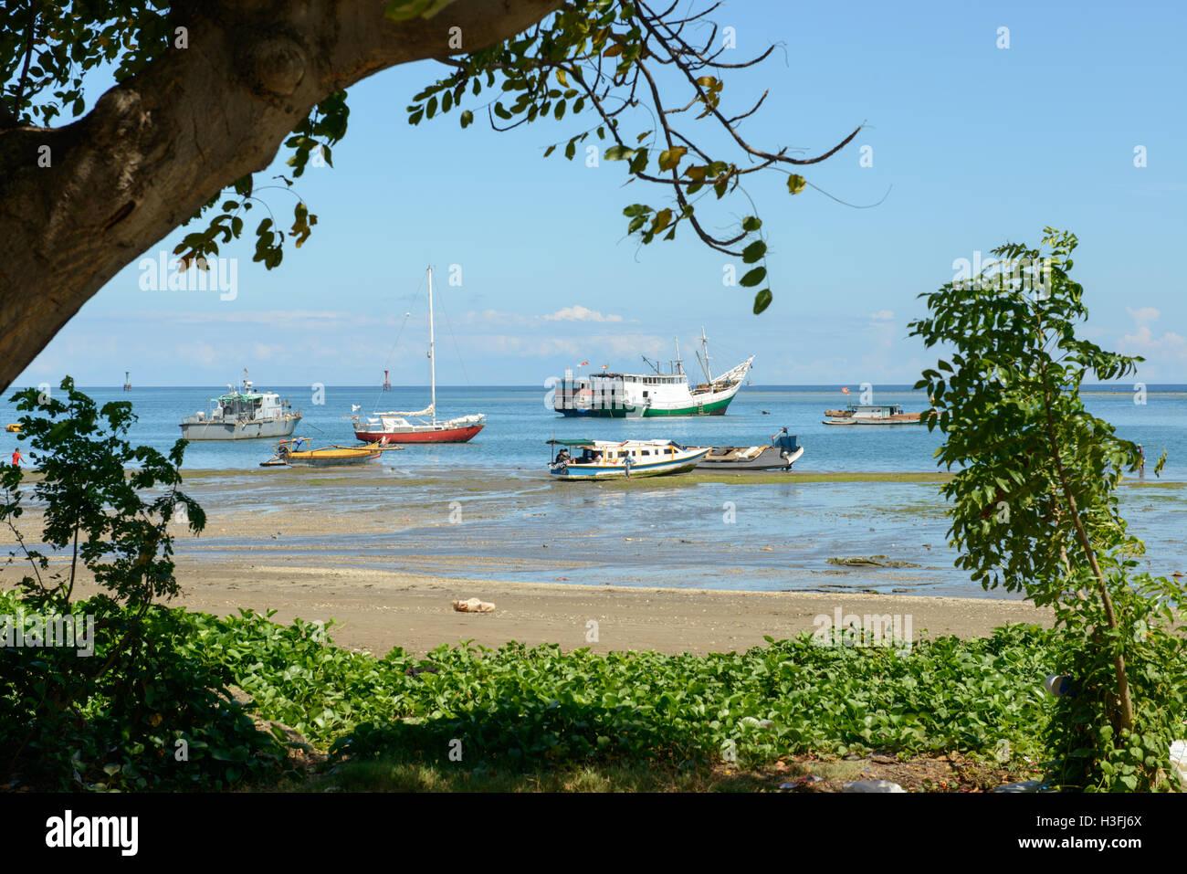 Des bateaux de pêche, Dili, Timor Leste Banque D'Images