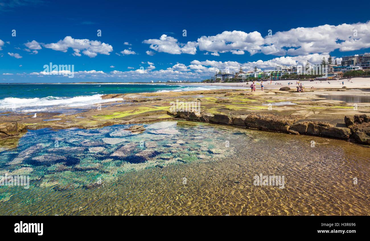CALOUNDRA, AUS - Aug 13 2016: Eau chaude journée ensoleillée à Calundra Kings Beach, Queensland, Photo Stock