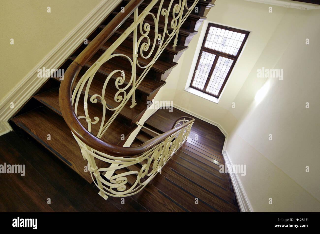 Escalier En Bois, Escalier, Mains Courantes, Décorer, Fenêtres, Escaliers,  Les Escaliers, La Lumière à Lu0027intérieur, La Réception De Lu0027intérieur,  Garde Corps ...