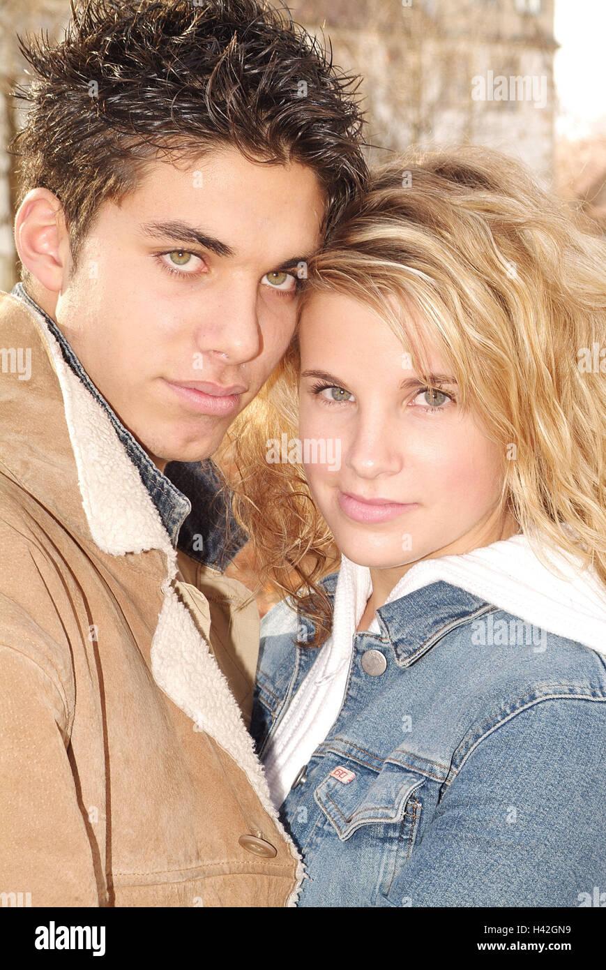 Couple De L Adolescent Tombe Amoureux Maigre Portrait Temps