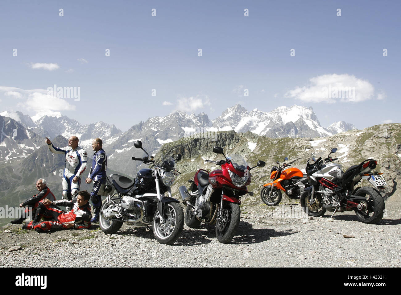 Motorcycles, vertical, alp scenery Banque D'Images