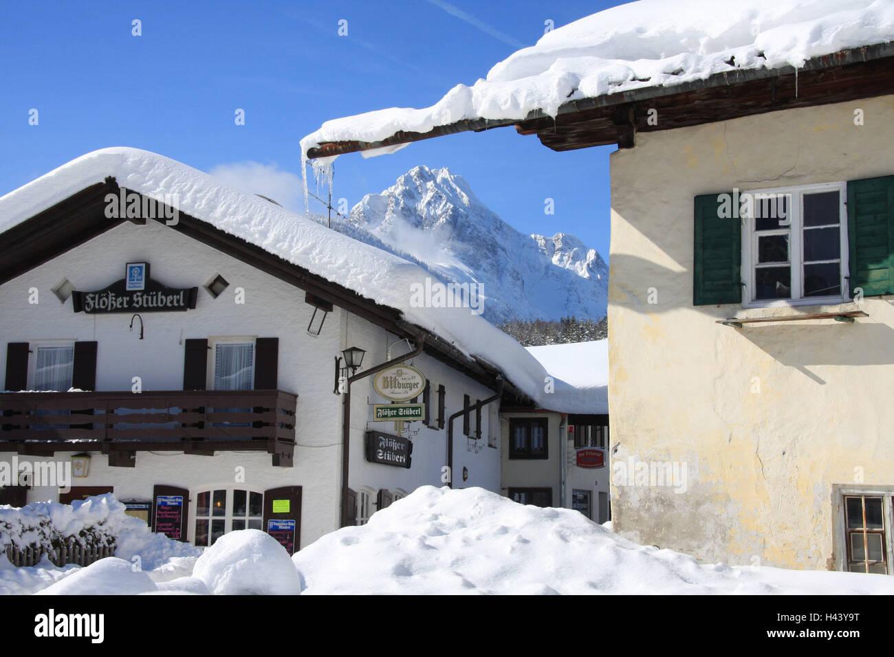 Bar Exterieur En Pierre germany, bavaria, mittenwald, district de la semoule