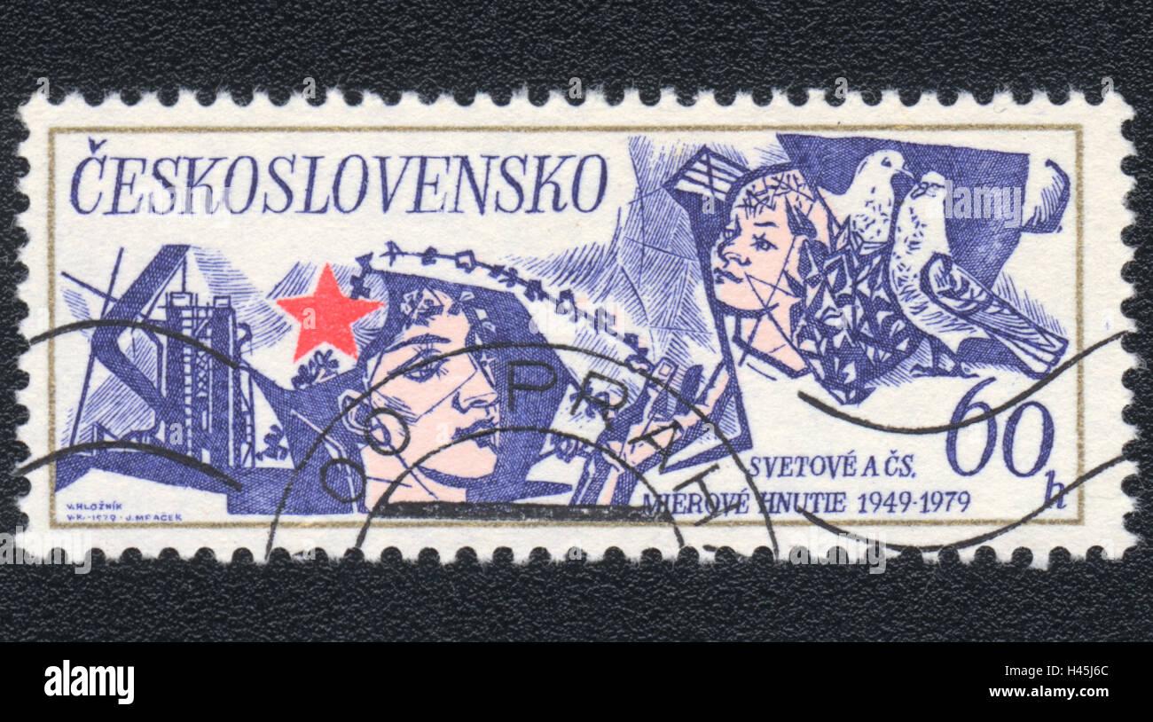 Un timbre-poste imprimé en Tchécoslovaquie, montre le mouvement de la paix 1949-1979, vers 1979 Photo Stock