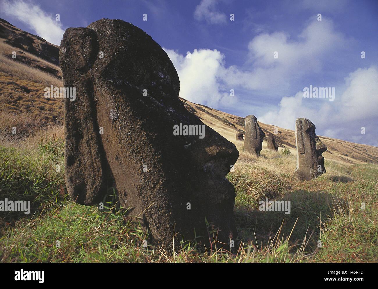 Le Chili, l'île de Pâques, Moais, sculpture, figure, Ciel, nuages, paysages, déserte, à Photo Stock