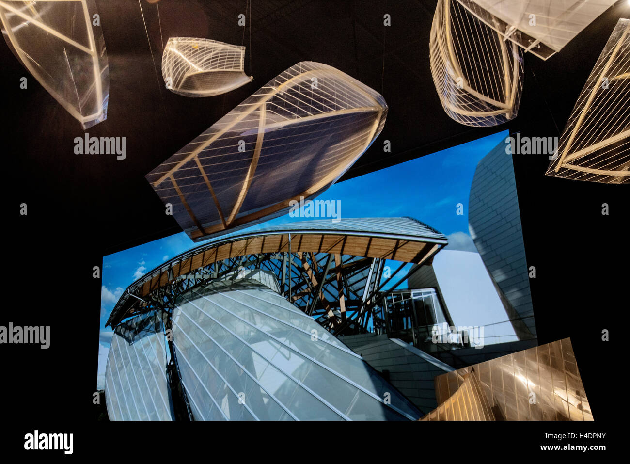 Intérieur du Musée d'Art de la fondation Louis Vuitton Paris France Photo Stock