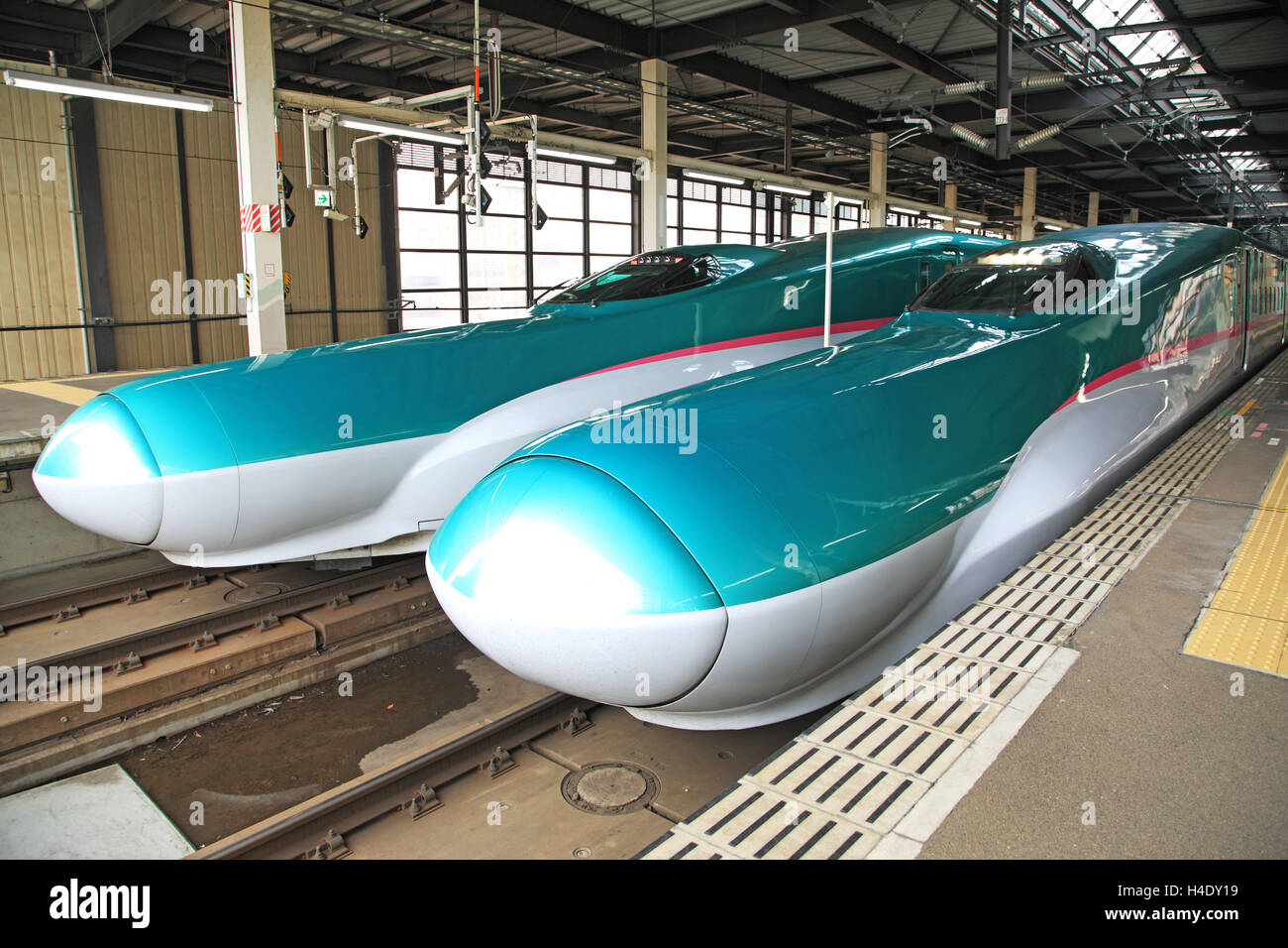 Bullet train Shinkansen, Japon, Tohoku Shinkansen Line à Morioka Photo Stock