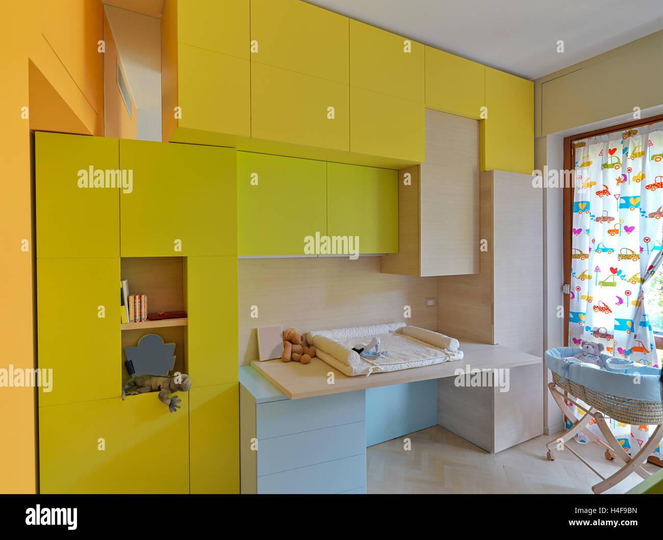Vue intérieure d\'une chambre d\'enfant moderne avec des ...