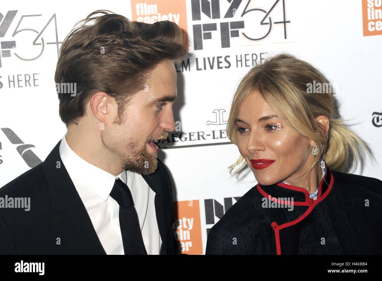 La ville de New York. 15 Oct, 2016. Robert Pattinson et Sienna Miller assister à 'La cité perdue de Photo Stock