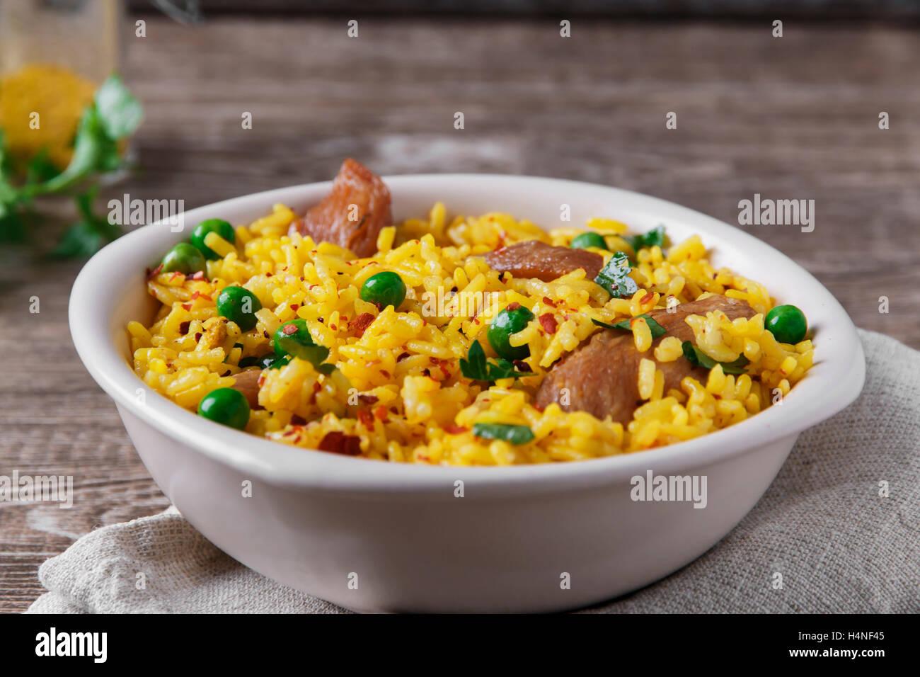 Riz au curry de viande cuit pois vert Photo Stock