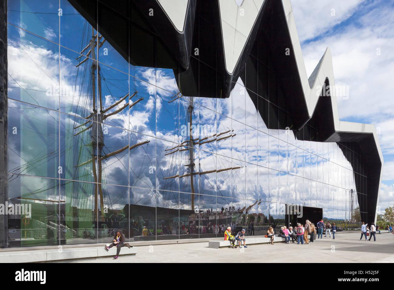 Le Riverside Museum of Transport et voyages à côté de la rivière Clyde, Glasgow, Scotland UK Photo Stock