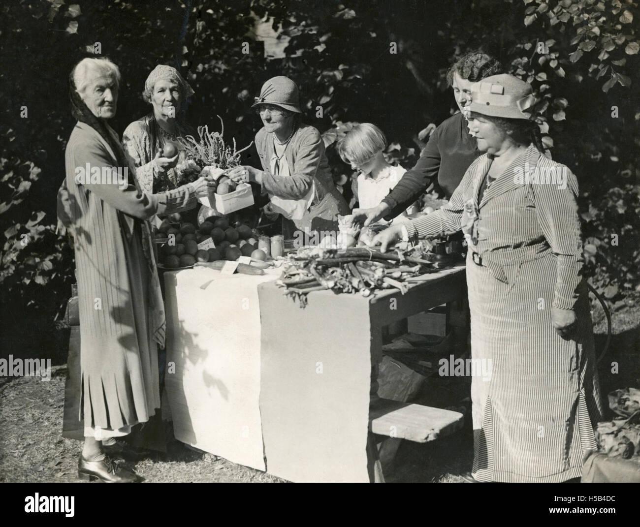 Charlotte Despard et Emmeline Pethick Lawrence à produire un décrochage, 1930. Banque D'Images