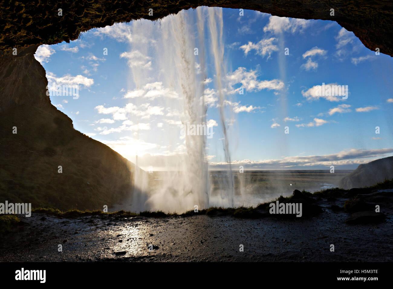 Cascade de Seljalandsfoss, Sud de l'Islande, de l'Atlantique Nord, Europe Photo Stock