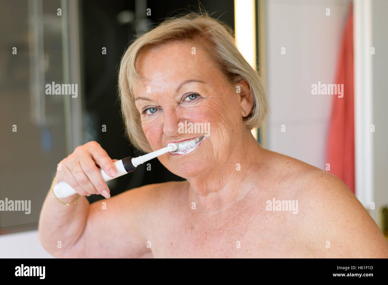 belle femme agee