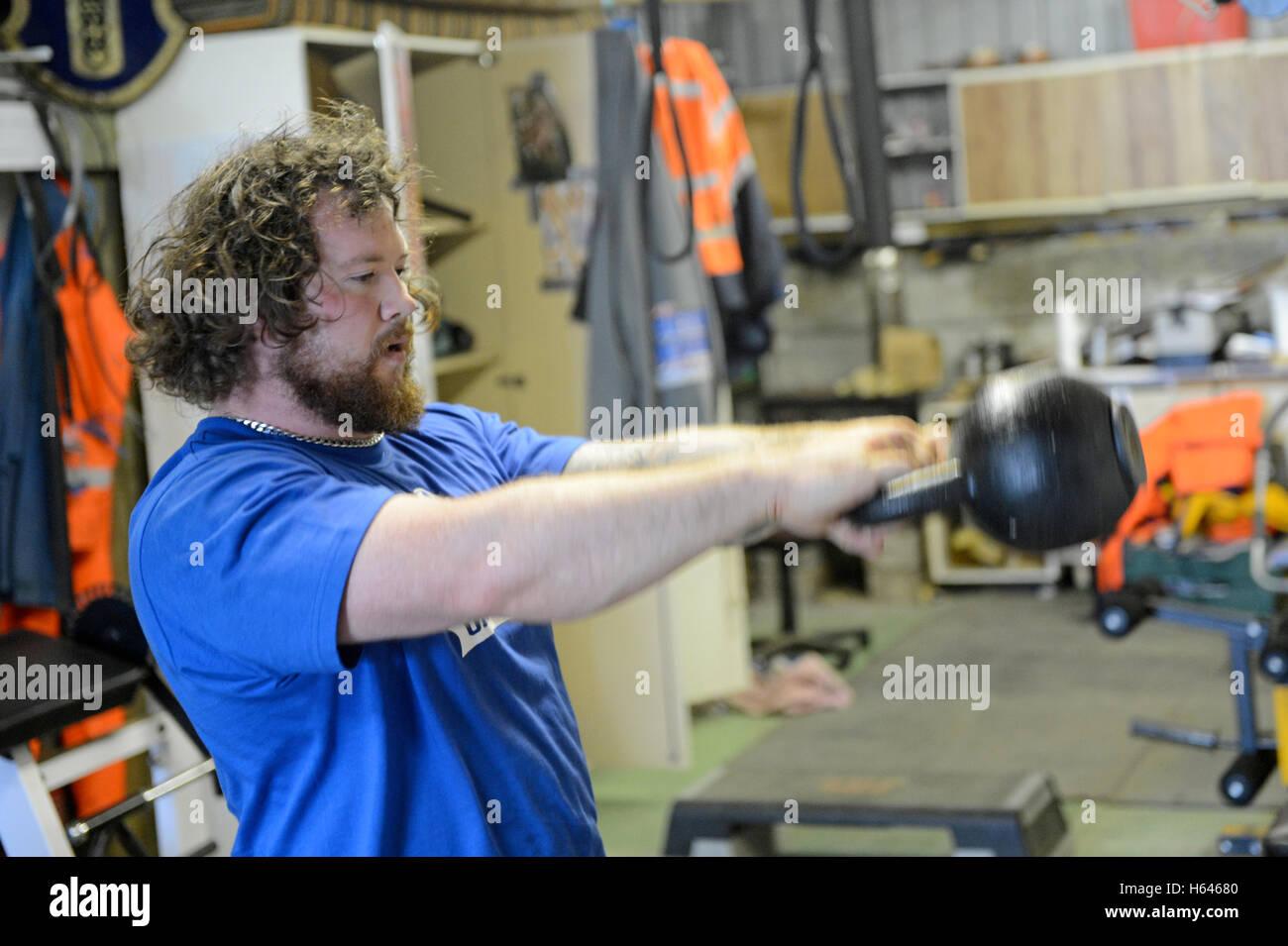 Shetland Moar Dhanni Body Builder Et L Halterophile Dans Sa Salle